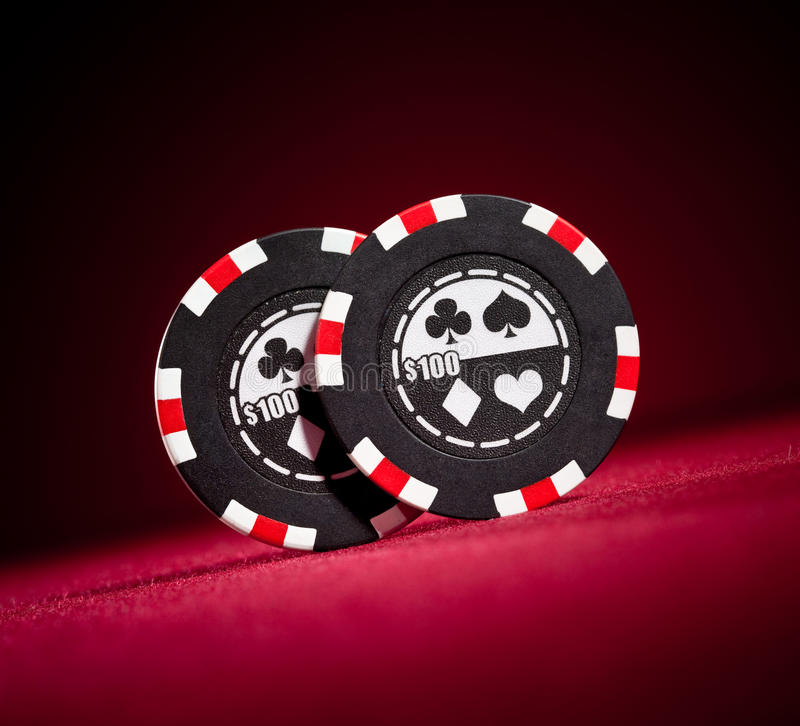 Microplaquetas de jogo do casino fotografia de stock royalty free