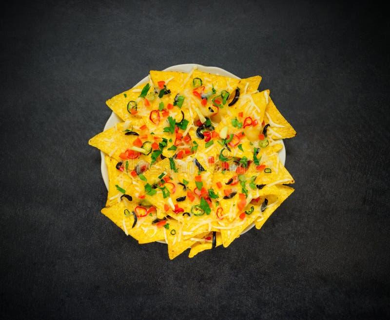 Microplaquetas dos Nachos da tortilha na vista superior imagem de stock royalty free