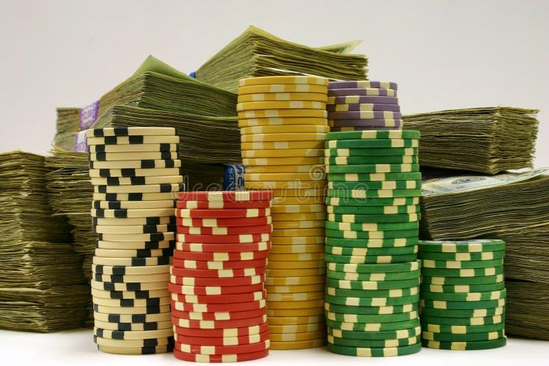 Microplaquetas e dinheiro imagem de stock royalty free