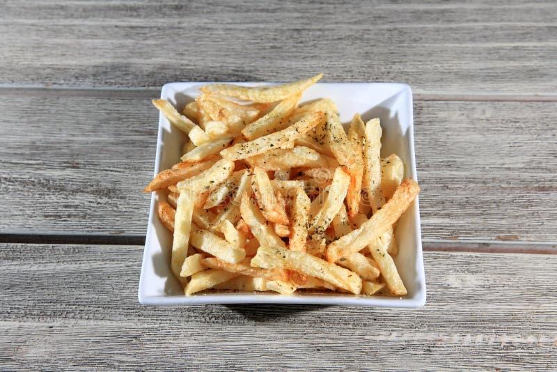 Download Microplaquetas fritadas foto de stock. Imagem de cozinhado - 29831658