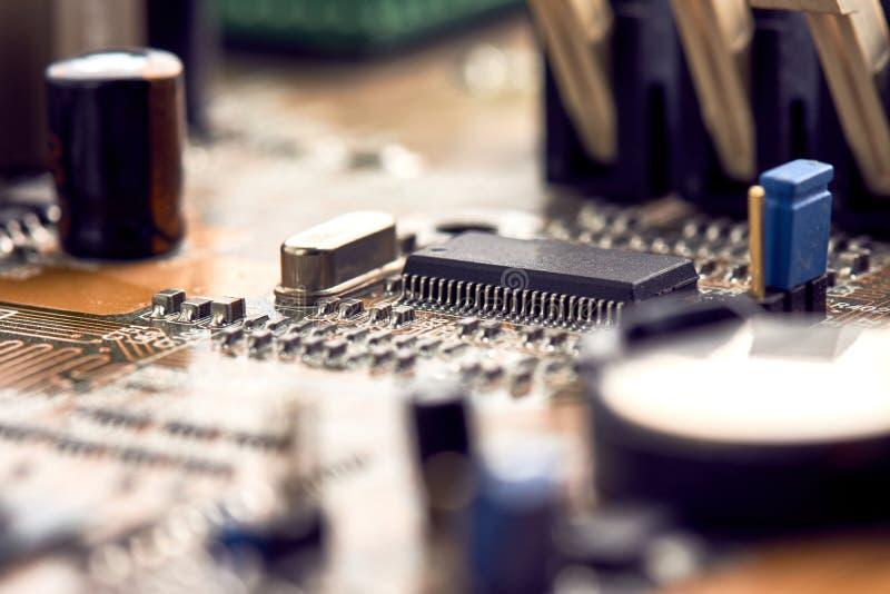 Microprocesador del negro de la placa madre del ordenador foto de archivo libre de regalías