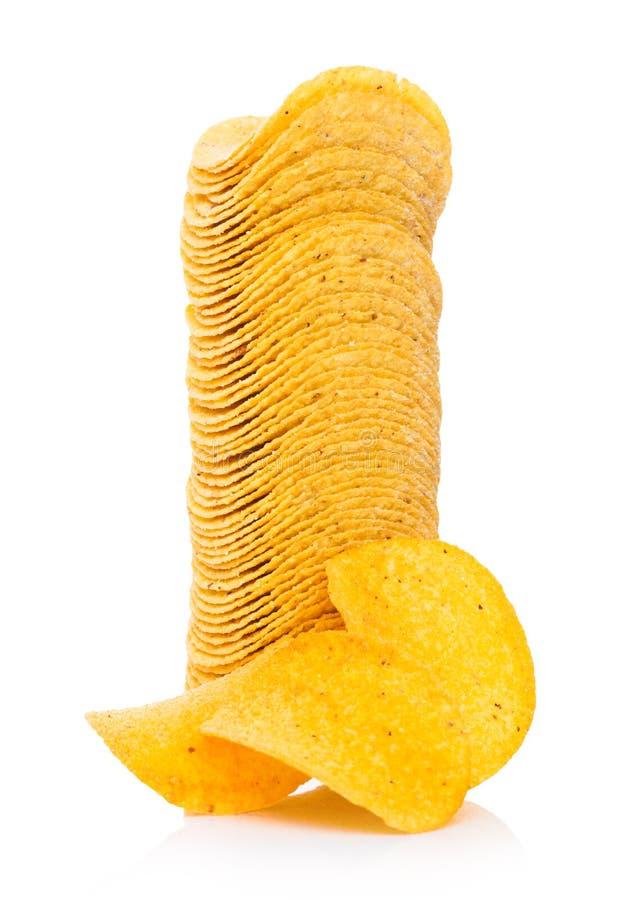 Microprocesadores curruscantes redondos de las patatas a la inglesa de patata en blanco fotos de archivo libres de regalías