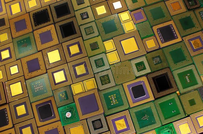 Microprocesadores viejos de la CPU - fondo de los procesadores del ordenador imagenes de archivo