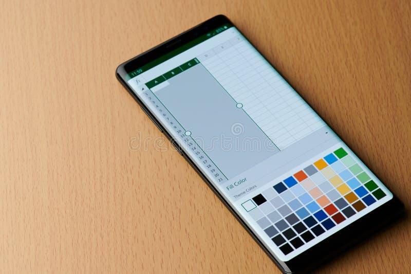 Microsoft blinkt menu op het smartphonescherm uit royalty-vrije stock afbeeldingen