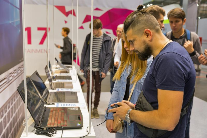 Microsoft-cabine tijdens EEG 2017 in Kiev, de Oekraïne stock foto's