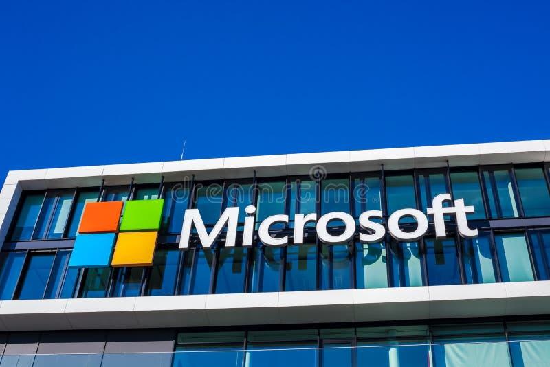 Microsoft-embleem bij de bureaubouw, München Duitsland stock foto