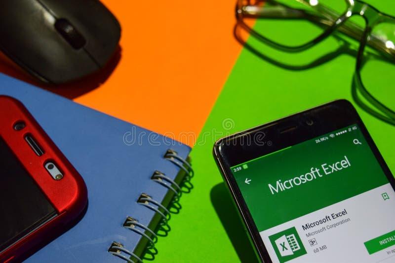Microsoft Excel-Entwickler-APP auf Smartphone-Schirm lizenzfreies stockfoto