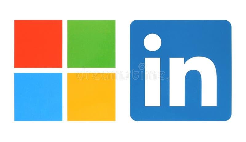 Microsoft och Linkedin logoer royaltyfri fotografi