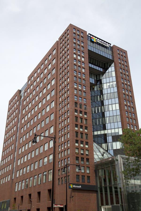 Microsoft Office budynek przy MIT uniwersytetem Boston zdjęcie stock