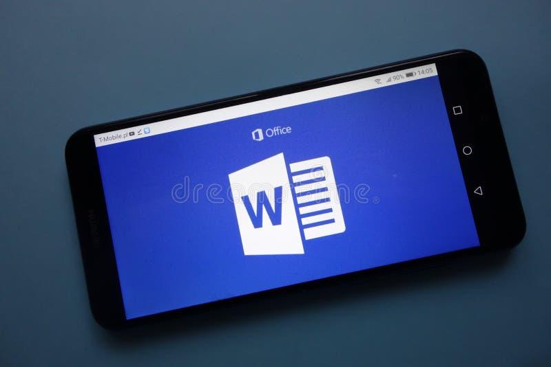 Microsoft Word-embleem op smartphone wordt getoond die stock afbeeldingen