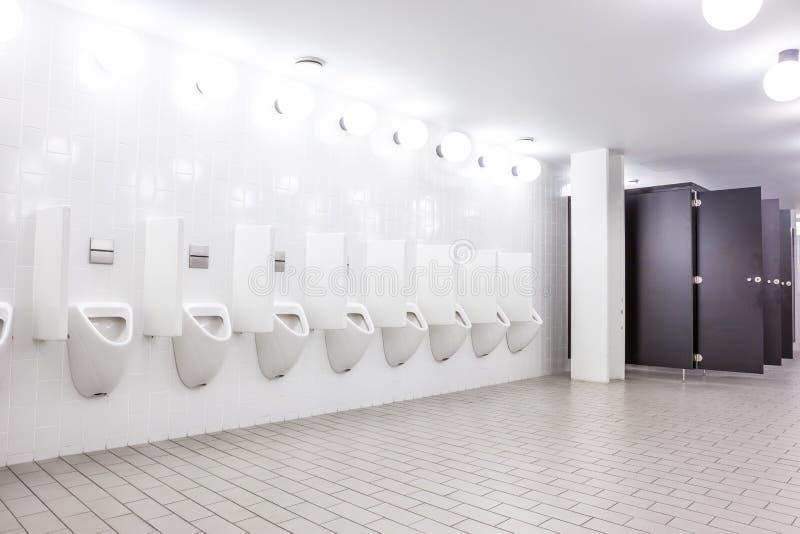 Mictório e toalete fotografia de stock