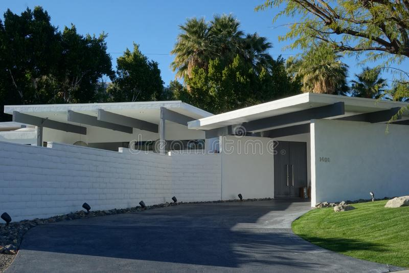Palm Springs House Driveway. Mid-Century Modern Condominium complex in Palm Springs, California stock images