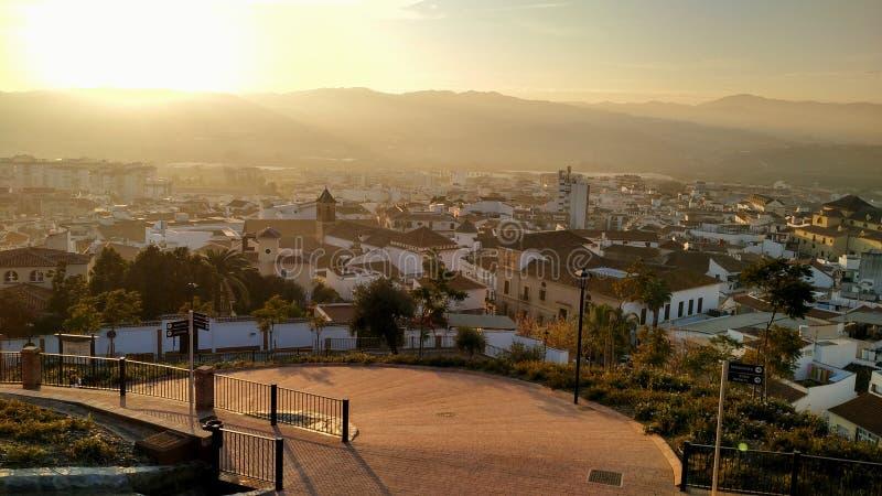 Middaglichten over $ce-andalusisch stad royalty-vrije stock afbeelding