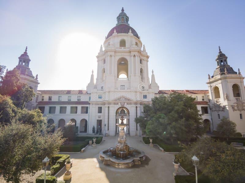 Middagmening van het mooie Stadhuis van Pasadena in Los Angeles, Californië stock foto