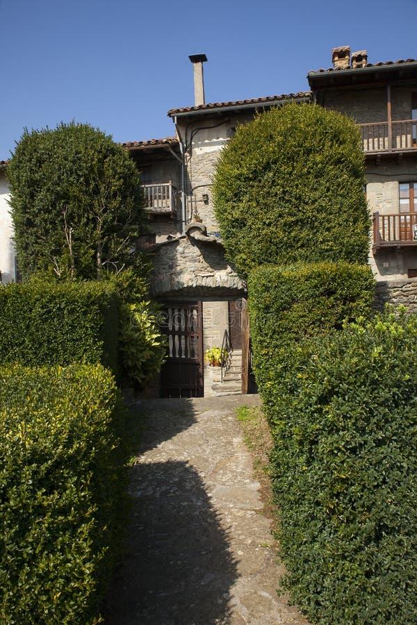 Middeleeuws Catalaans dorp, Spanje stock fotografie
