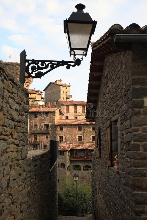 Middeleeuws Catalaans dorp, Spanje stock afbeeldingen