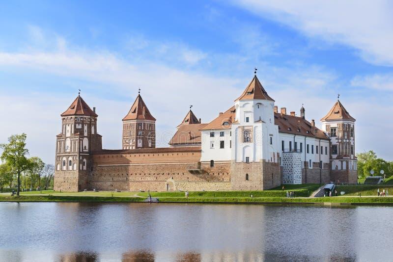 Middeleeuws kasteel Mir. Het gebied van Grodno. Wit-Rusland stock afbeelding