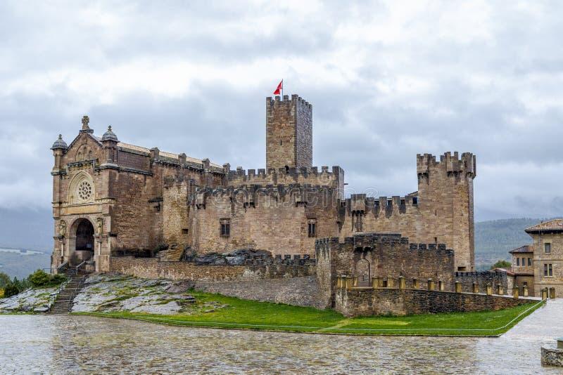 Middeleeuws kasteel van Javier in Navarra spanje stock afbeeldingen