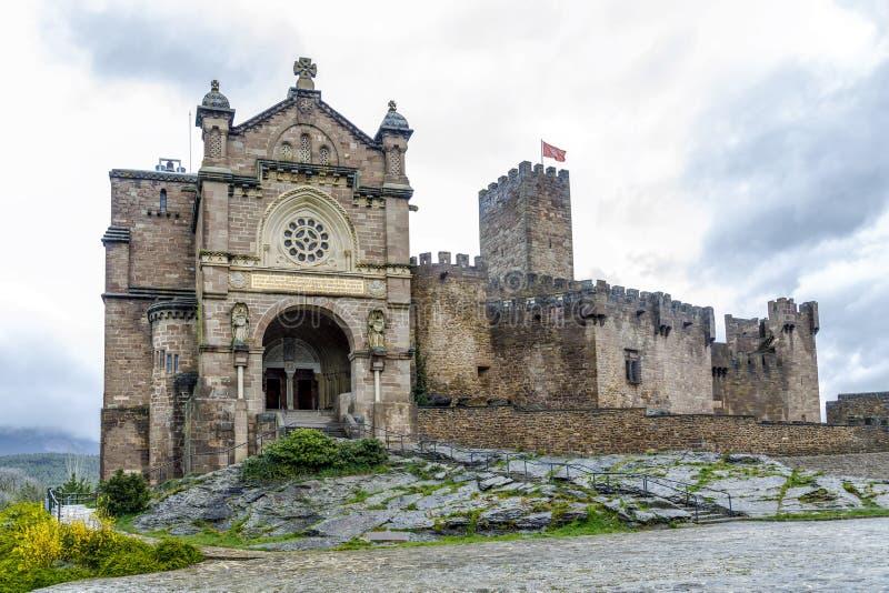Middeleeuws kasteel van Javier in Navarra spanje stock foto
