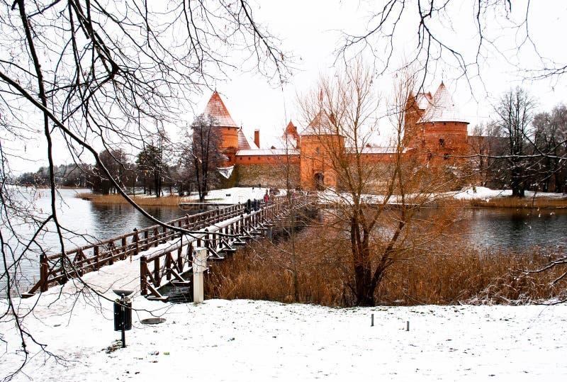 Middeleeuws kasteel van Trakai, Vilnius, Litouwen, Oost-Europa, in de winter royalty-vrije stock foto