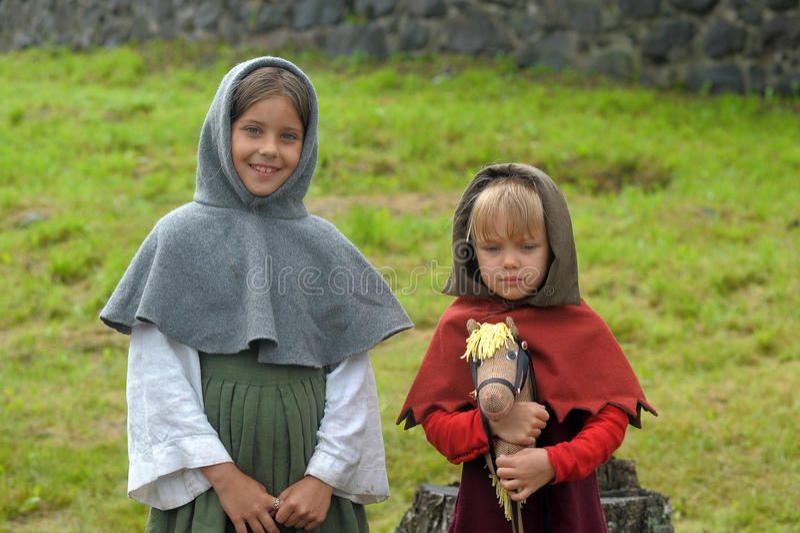 Middeleeuws meisje twee royalty-vrije stock fotografie