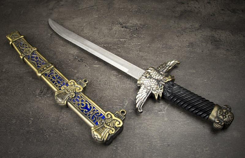 Middeleeuwse dolk royalty-vrije stock afbeeldingen