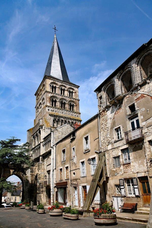 Middeleeuwse gebouwen en basiliek stock afbeelding