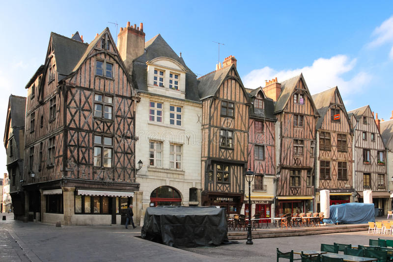 Middeleeuwse gebouwen op plaats Plumereau reizen frankrijk royalty-vrije stock foto's