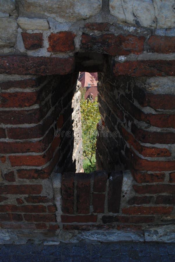 Middeleeuwse kasteel oude muur, boogschieten royalty-vrije stock foto's