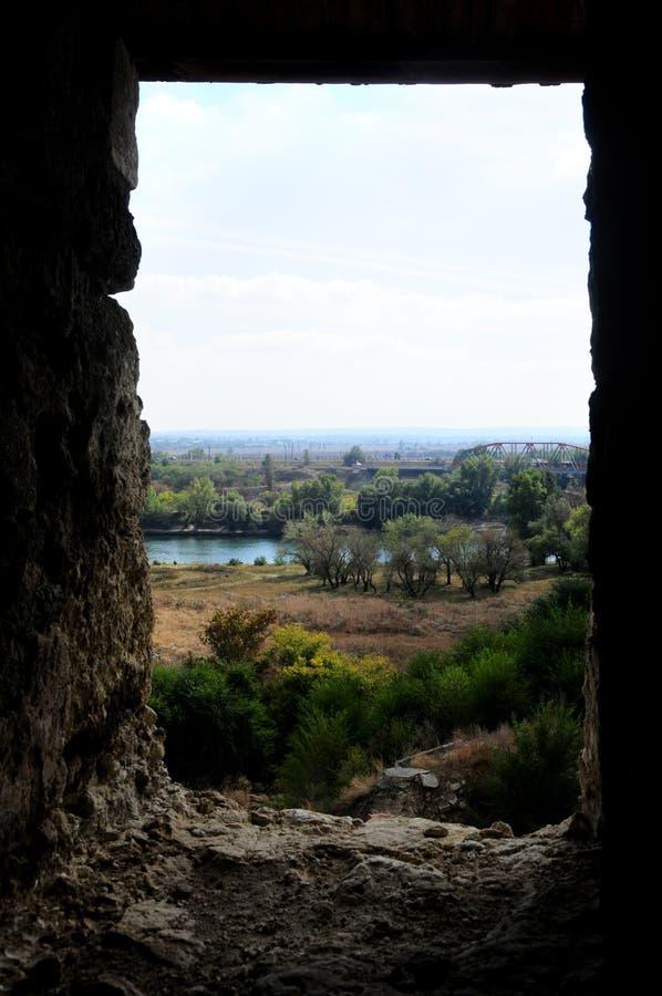 Middeleeuwse kasteelruïnes in Buigmachine, Transnistria, Moldavië royalty-vrije stock fotografie