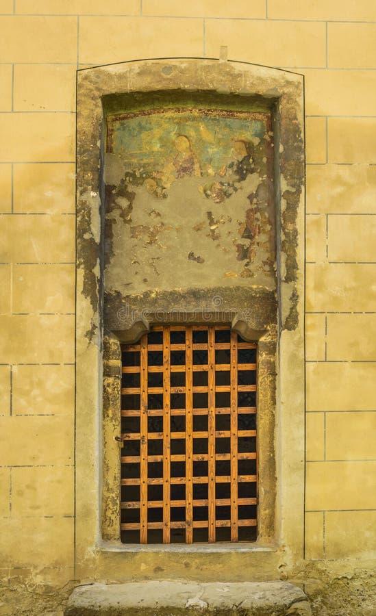 Middeleeuwse kerkdeur royalty-vrije stock afbeelding