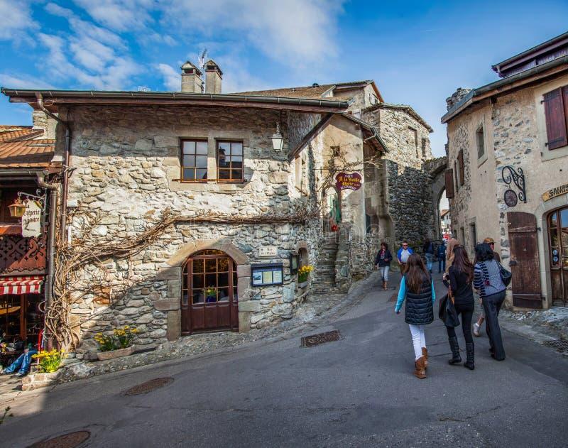 Middeleeuwse Mening II, Yvoire, Frankrijk van de Straat van het Dorp stock foto's