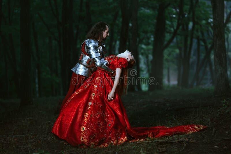 Middeleeuwse ridder met dame royalty-vrije stock foto