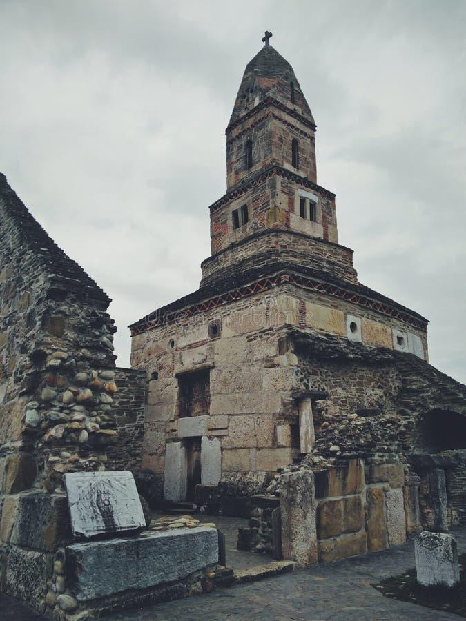 Middeleeuwse Roemeense steenkerk royalty-vrije stock fotografie