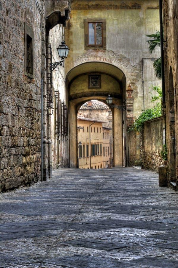 Middeleeuwse stad in Toscanië Italië stock foto's