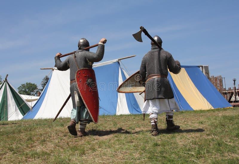 Middeleeuwse strijders stock fotografie