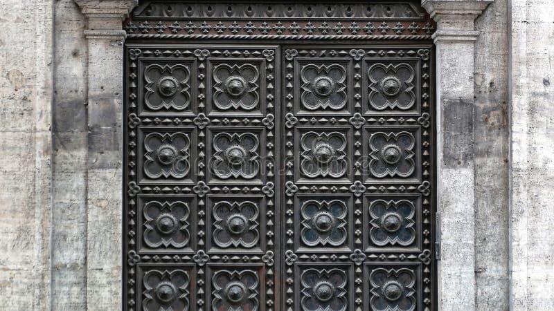 Middeleeuwse Zwarte Deur royalty-vrije stock afbeelding