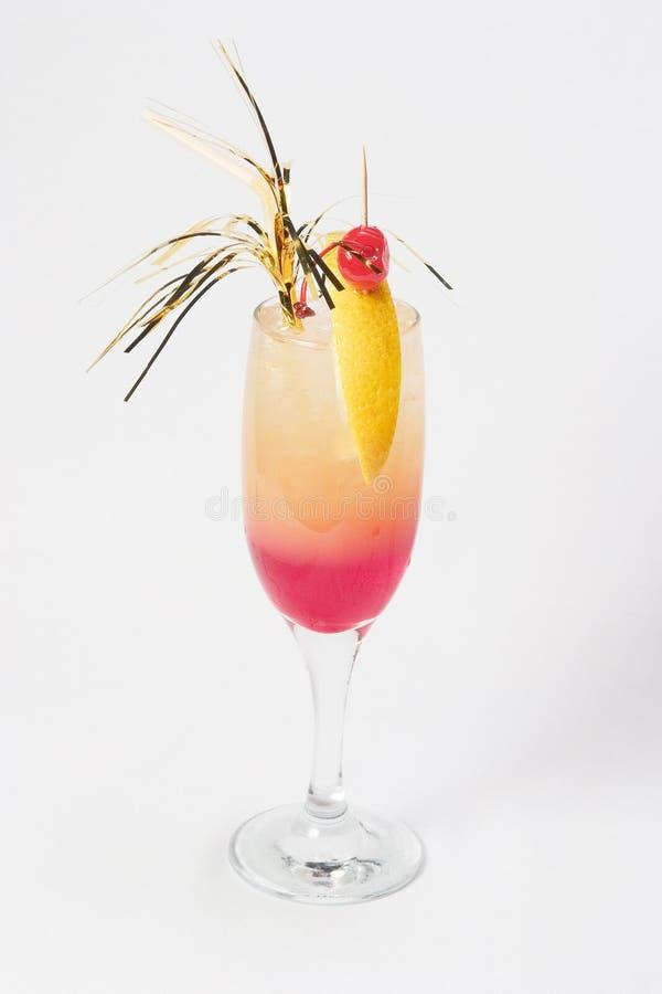 Middelgrote roze cocktail stock afbeelding