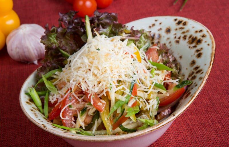 Midden Aziatische plantaardige salade royalty-vrije stock afbeelding