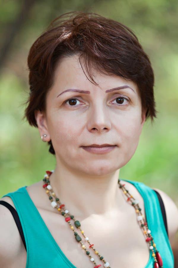 Midden leeftijds Kaukasische vrouw stock afbeelding