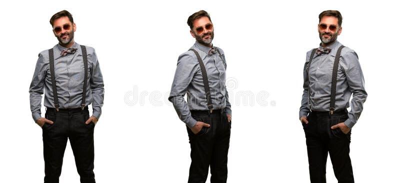 Middenleeftijdsmens die een kostuum dragen stock fotografie