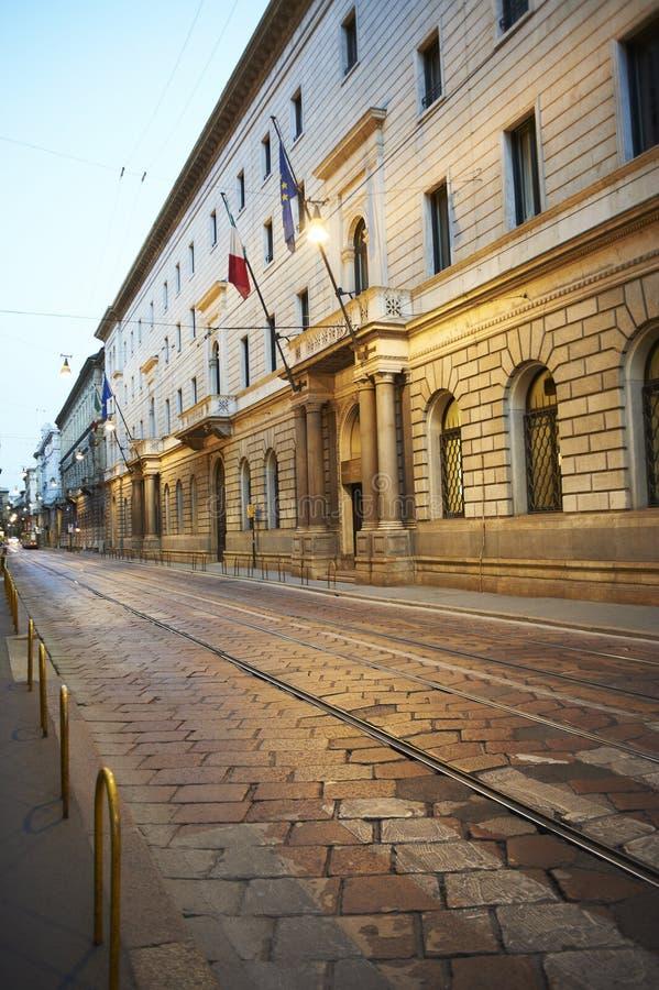 Middenstadsstraat in Milaan, Lombardia, Italië royalty-vrije stock afbeeldingen