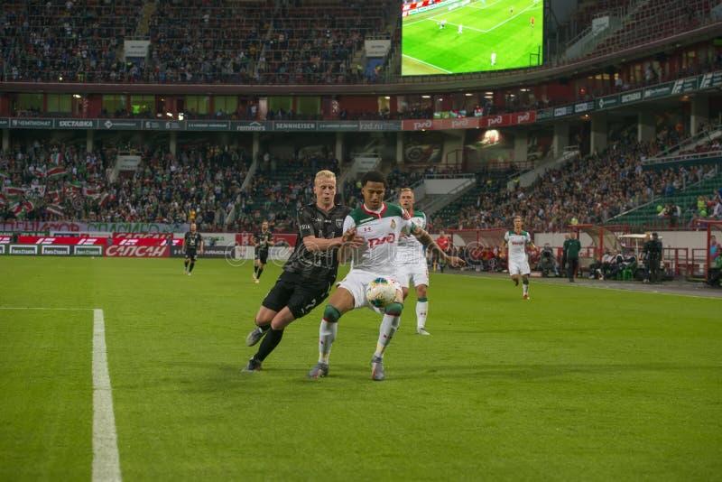 Midfielder Vyacheslav Podberezkin 7 sobre o jogo de futebol foto de stock royalty free