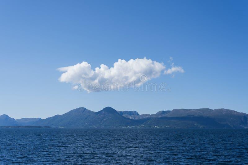 Midfjorden - fjord w Norwegia obrazy stock