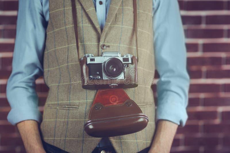 Midsection van hipster met camera royalty-vrije stock foto's