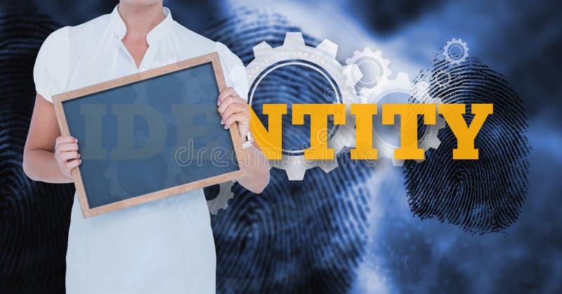 Midsectionen av affärskvinnan som rymmer tomt, kritiserar mot text och fingeravtryck stock illustrationer