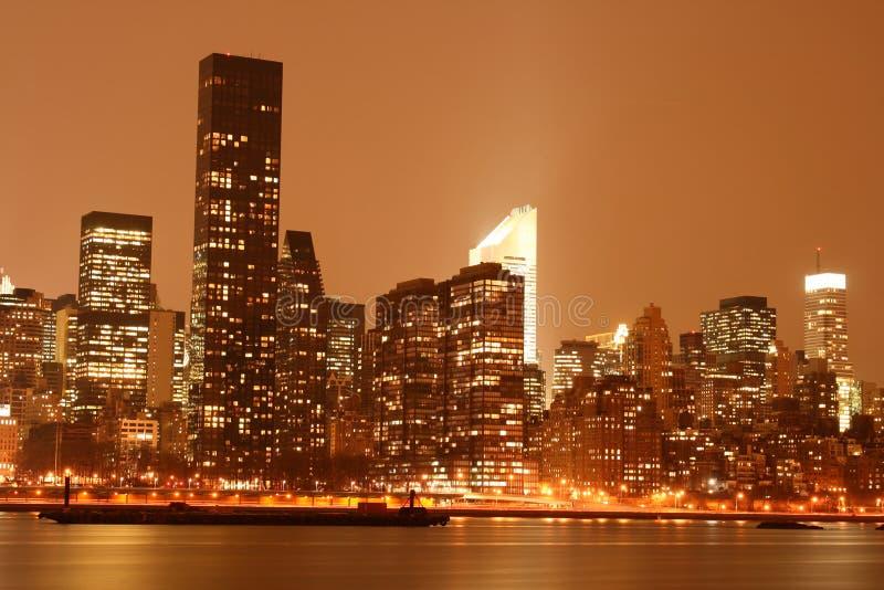 Midtown-Manhattan-Skyline nachts beleuchten, NYC stockfoto