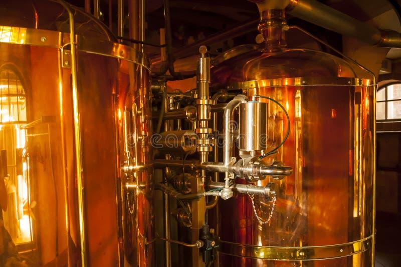 Miedziany zbiornik dla whisky fotografia stock