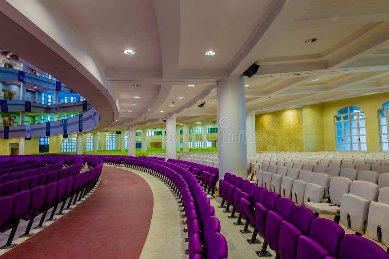 Miejsca siedzące przygotowania na parterze nowy audytorium Głęboka życie biblia Kościelny Gbagada Lagos Nigeria zdjęcie stock