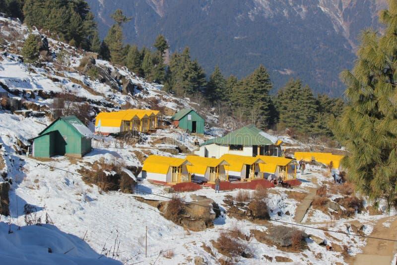 miejsce jest w Uttarakhand w India dzwonił AULA zdjęcie royalty free